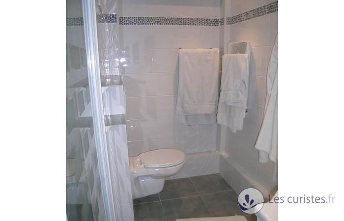 Appartement meubl pour cure thermale ou vacances ou for Deco appartement 38m2