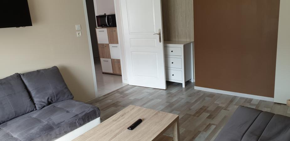creation 2017 meubl 4 personnes pour une cure thermale vittel. Black Bedroom Furniture Sets. Home Design Ideas