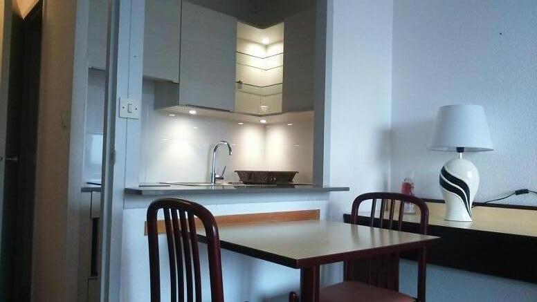 studio meubl thermes borda avec balcon parking pour une cure thermale dax. Black Bedroom Furniture Sets. Home Design Ideas
