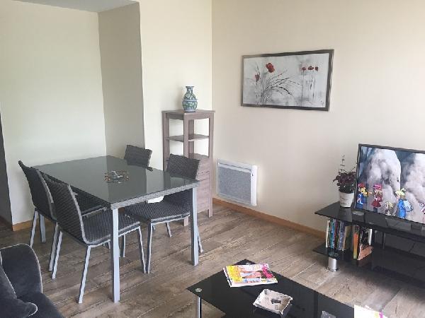 t2 meubl neuf pour curiste avec garage balcon pour une cure thermale dax. Black Bedroom Furniture Sets. Home Design Ideas