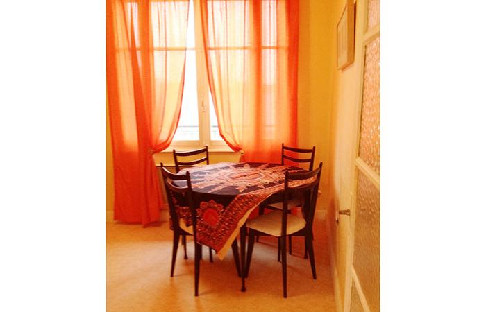 t1 bis louer vichy pour une cure thermale vichy. Black Bedroom Furniture Sets. Home Design Ideas