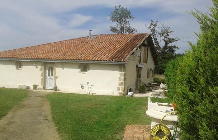 Maison avec piscine priv e pour une cure thermale for Eugenie les bains la maison rose