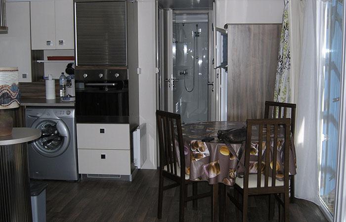 mon mobil hom est vendu pour une cure thermale vernet les bains. Black Bedroom Furniture Sets. Home Design Ideas