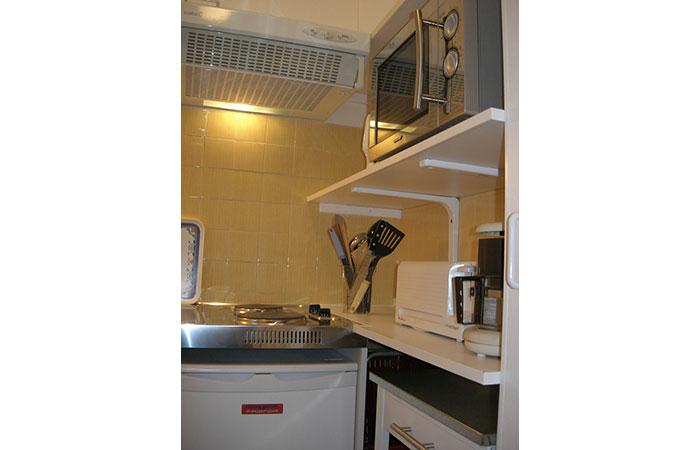 studio meubl 3 pour curistes 2 pers centre ville pour une cure thermale dax. Black Bedroom Furniture Sets. Home Design Ideas