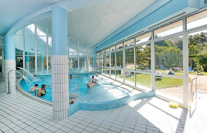 Cure thermale de divonne les bains avis infos et photos for Piscine de divonne