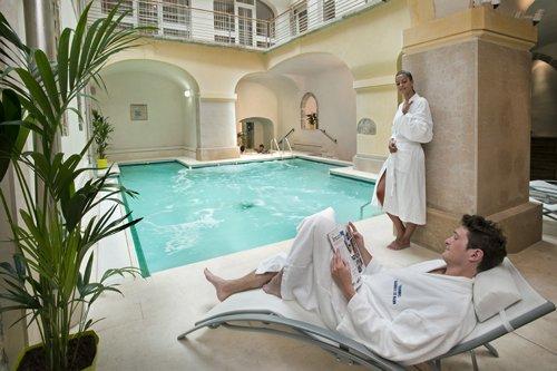 Cure thermale de bagnols les bains avis infos et photos - Cure thermale eugenie les bains ...