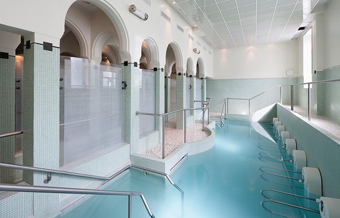 Cure thermale de bains les bains avis infos et photos - Cure thermale eugenie les bains ...